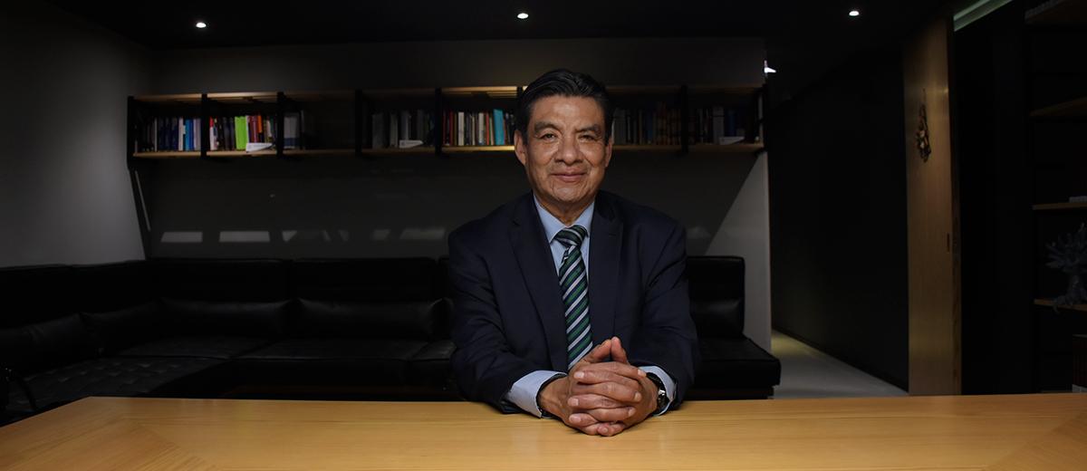 Dr. Miguel Ángel Aguilar destaca en la portada de la revista Puntos Finos, de Thomson Reuter